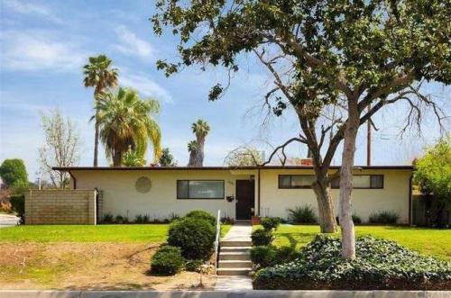400 S Mesita Place Photo 1