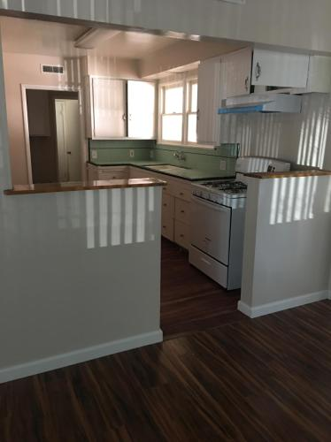 128 S Lark Ellen Avenue Photo 1