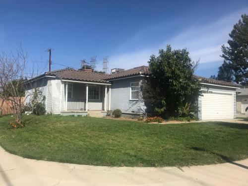 8901 Rhea Avenue Photo 1