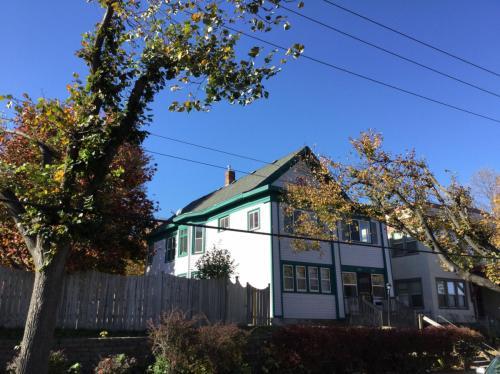 1203 Humboldt Avenue N Photo 1