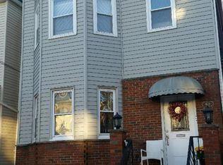 119 Oak Street Photo 1