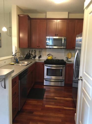 5914 NE 16th Avenue Photo 1