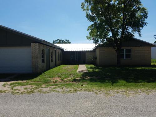 104 Cottonwood Drive Photo 1