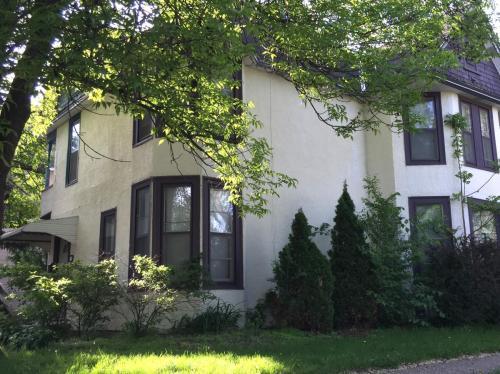 1283 Thomas Avenue #2 Photo 1