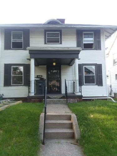 2038 Fernwood Avenue Photo 1