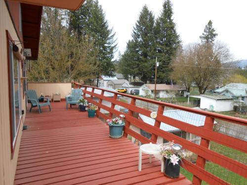11962 N Hauser Lake Road Photo 1