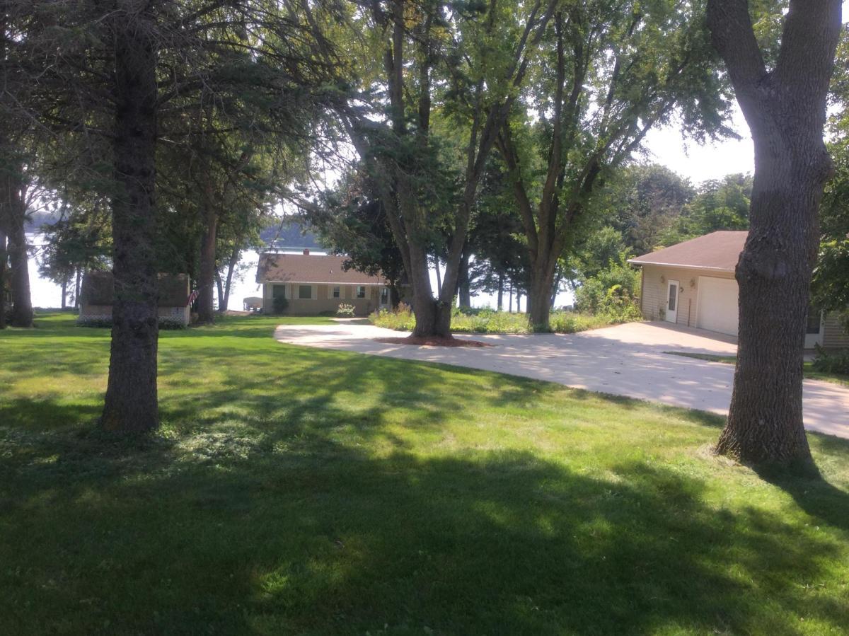 24216 E Cedar Lake Drive New Prague Mn 56071 Hotpads