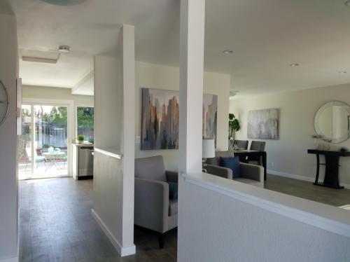 Lynxwood Court Photo 1