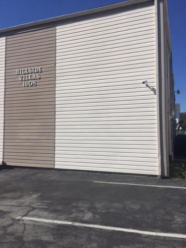 1608 Hillside Drive Photo 1
