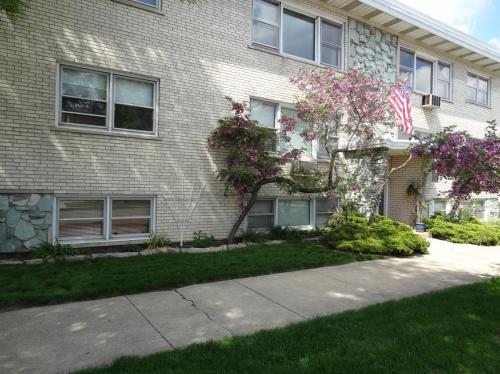 6158 S Narragansett Avenue #1 WEST Photo 1