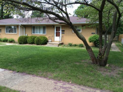 610 SW Maple Street Photo 1