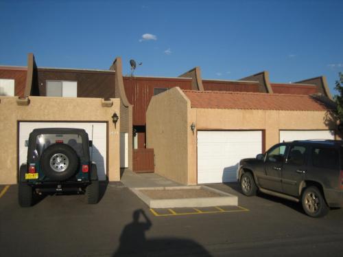 1084 E Navajo Street Photo 1