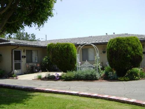 651 Marion Place #A Photo 1