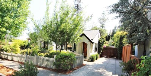 331 Paloma Avenue Photo 1