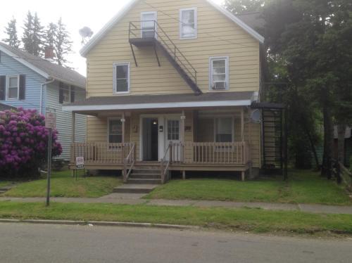 218 Hallock Street #LEFT SIDE Photo 1