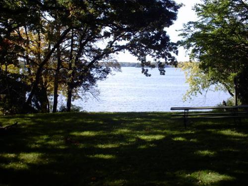 N Summit Round Lake Photo 1