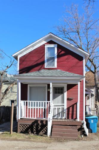 810 W Walnut Street Photo 1