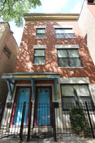 1454 N Leavitt Street #1 Photo 1