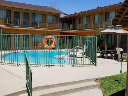 711 S Sierra Vista Avenue Photo 1
