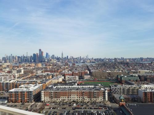 Manhattan Avenue Photo 1