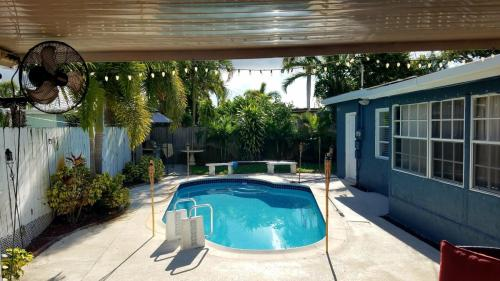 3361 SW 16th Court Photo 1