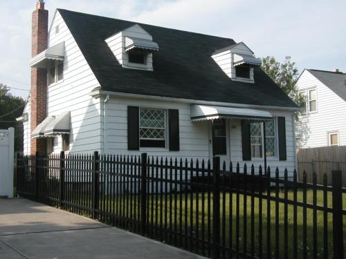 2162 W Mound Street Photo 1