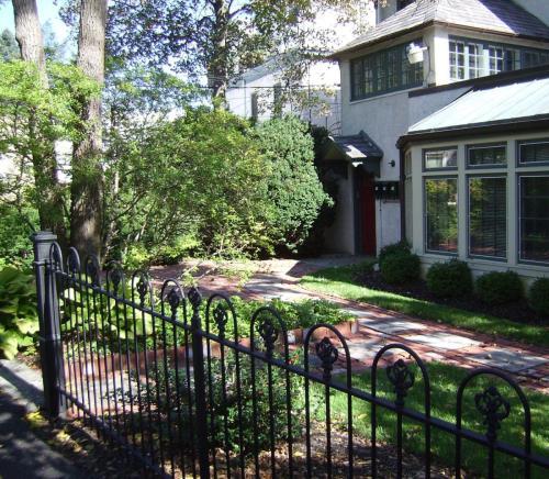 7900 Germantown Avenue Photo 1