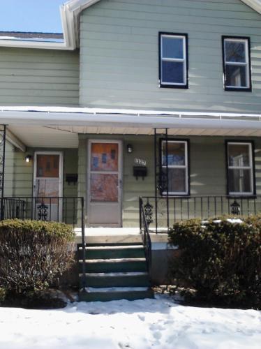 1327 Adams Avenue Photo 1