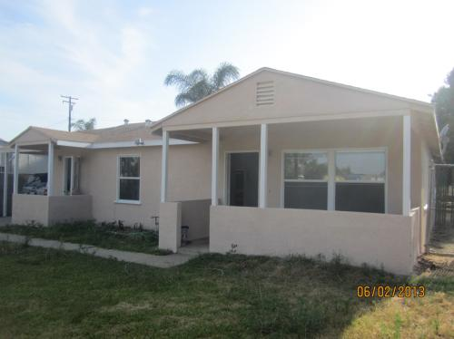 Single Family Home With Huge Front & Back Yard ... Photo 1