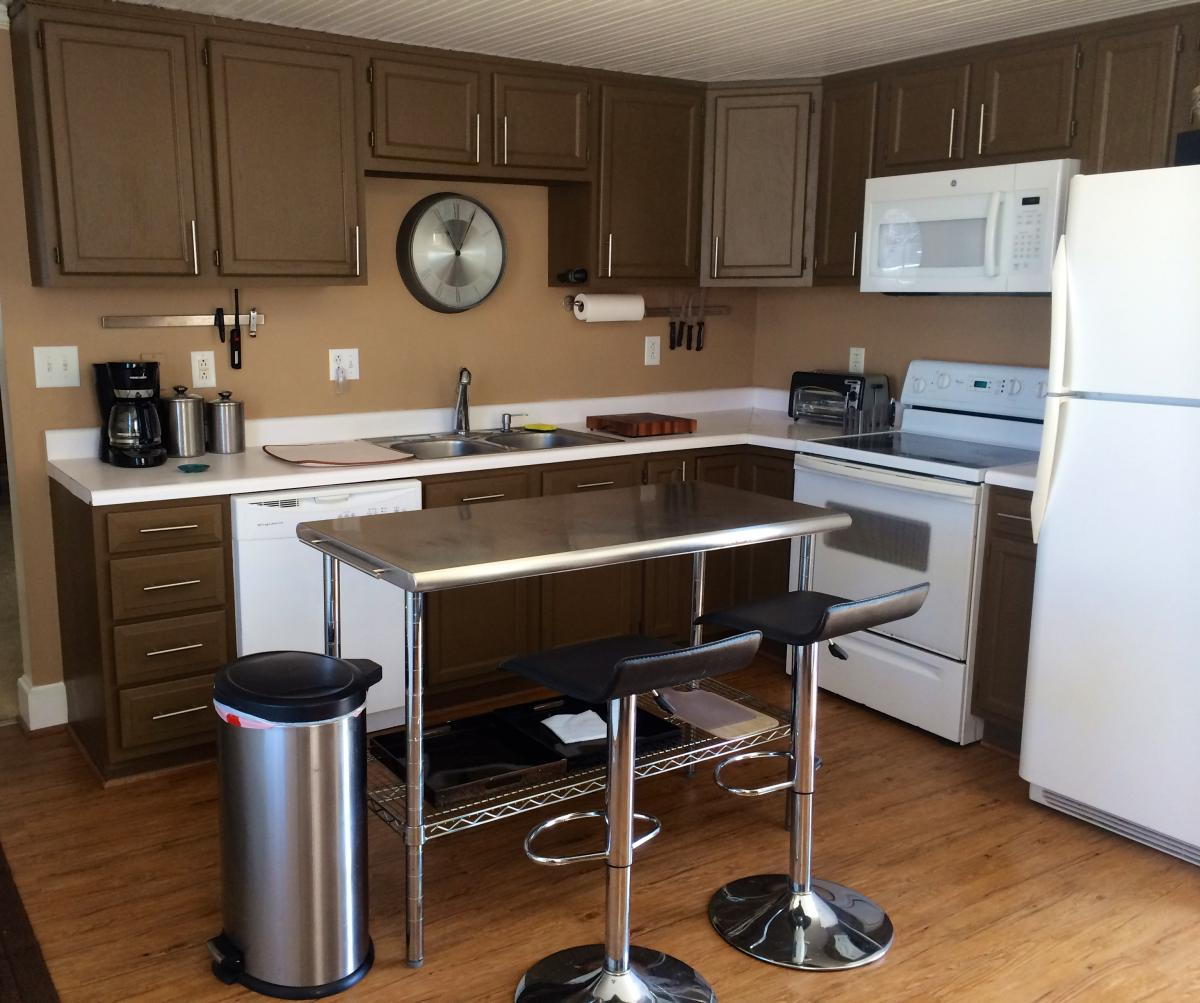 811 Bay Street, Morehead City, NC 28557   HotPads