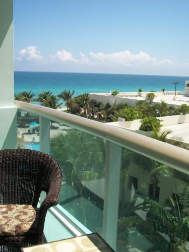 3801 S Ocean Drive Photo 1