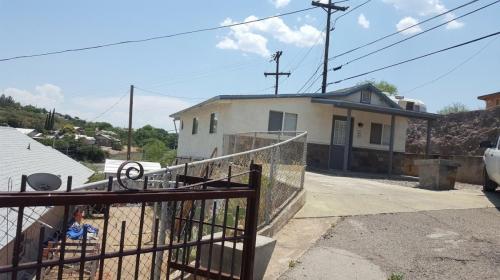 180 W La Mesa Terrace Photo 1