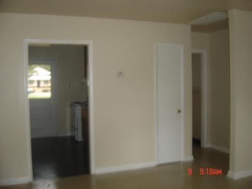 1135 Maryville Avenue Photo 1