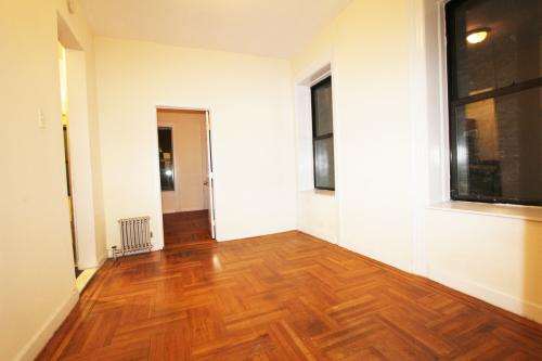 Seconds From Union Square 3 Bedroom With Laundr... 22 Photo 1