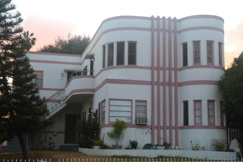 837 N Alexandria Avenue Photo 1