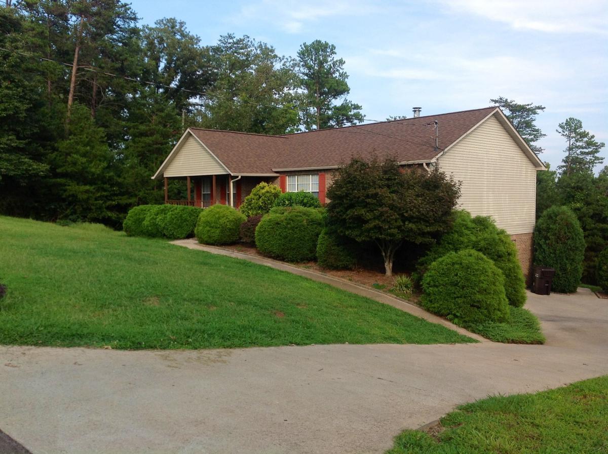 Surprising 1750 Oakwood Estates Drive Lenoir City Tn 37772 Hotpads Home Interior And Landscaping Spoatsignezvosmurscom