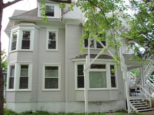702 W Green Street Photo 1