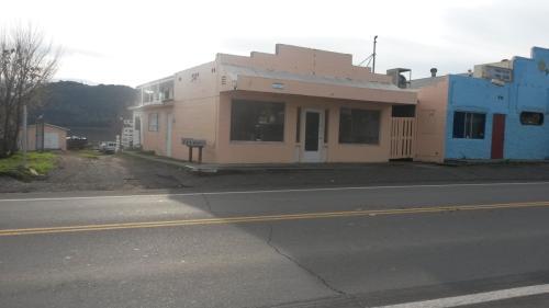 14531 Lakeshore Drive Photo 1