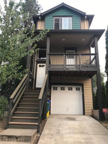 4548 SW Luradel Street Photo 1