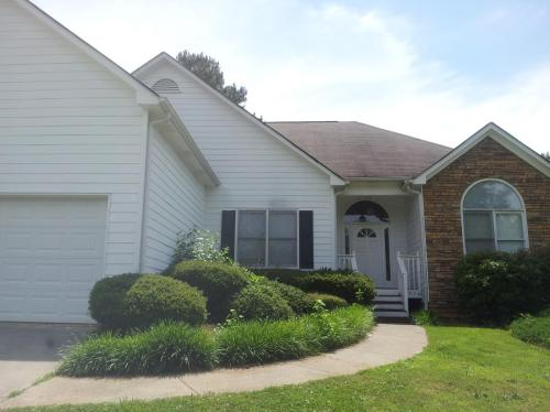 122 Holly Place Photo 1