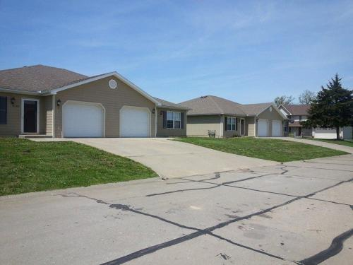 3680 Woods Court #SIDE A Photo 1