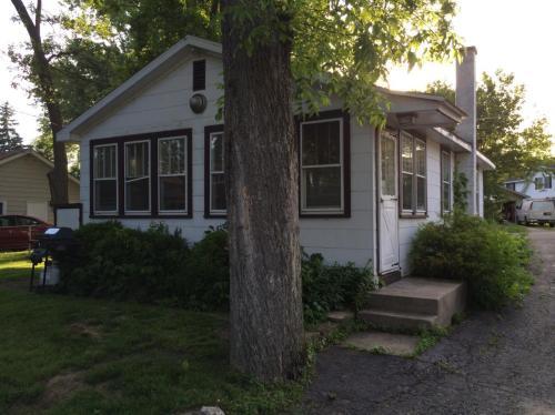 42421 N Woodbine Avenue Photo 1