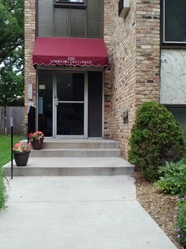 2212 Aldrich Avenue S #202 Photo 1