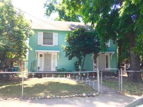 933 Bird Street Photo 1