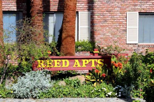 283 E Reed Street Photo 1