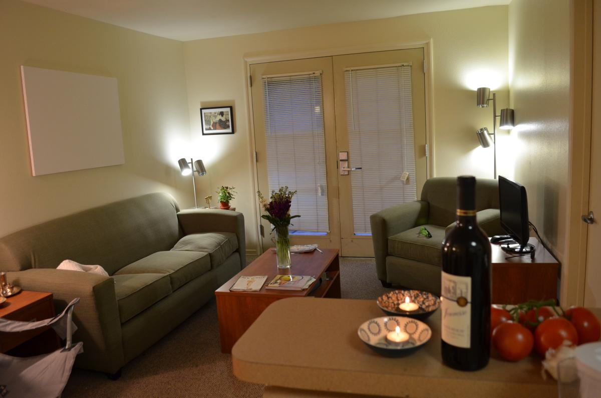 Primary Photo 825 Weyburn Terrace 102