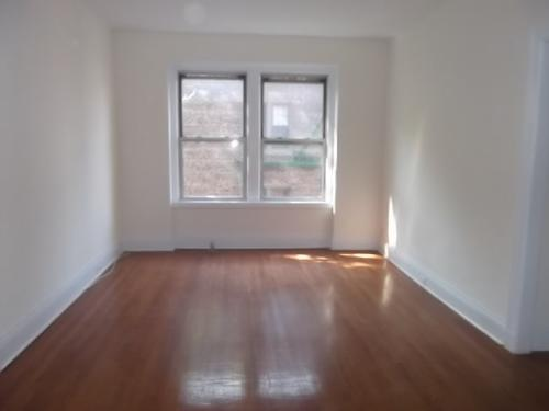 A Gorgeous and Very Spacious 1-Bedroom in Brook... Photo 1