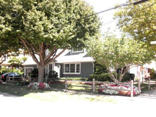98 Lynbrook Avenue Photo 1