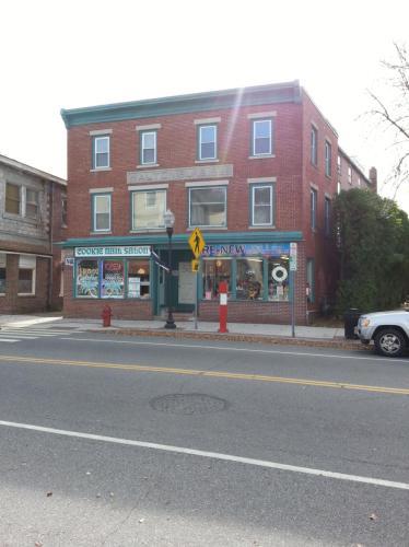 38 W Broad Street Photo 1
