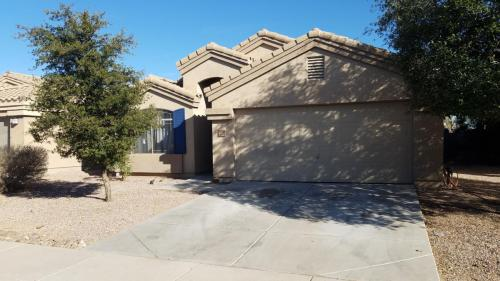 3618 N French Place Photo 1
